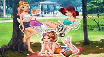 Princesses Instagram Rivals | Free online game | Mahee.com